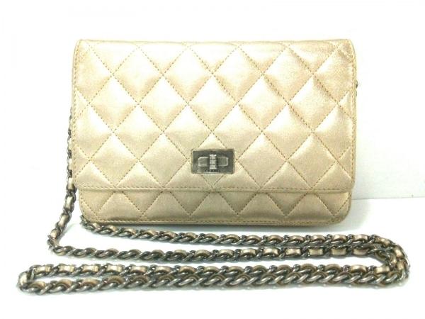 dc43fdd630b0 CHANEL(シャネル) 財布 2.55 ゴールド チェーンウォレット/シルバー金具 ラムスキン