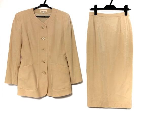 YOSHIE INABA(ヨシエイナバ) スカートスーツ サイズ9 M レディース ベージュ 肩パッド