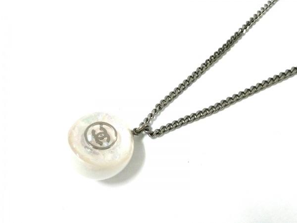 CHANEL(シャネル) ネックレス 金属素材×プラスチック シルバー×白 ココマーク