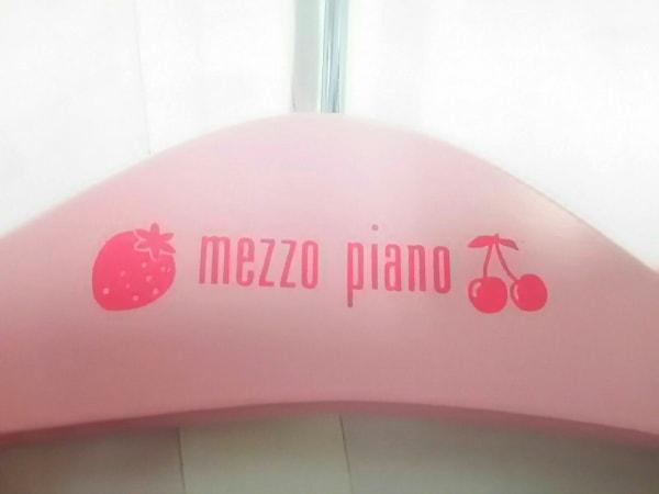 メゾピアノ 小物新品同様  ピンク×シルバー×レッド ハンガー/2点セット