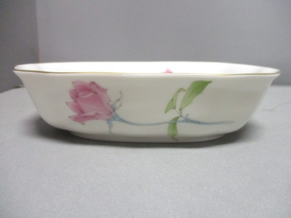 香蘭社(コウランシャ) 食器新品同様  白×マルチ 花柄 陶器