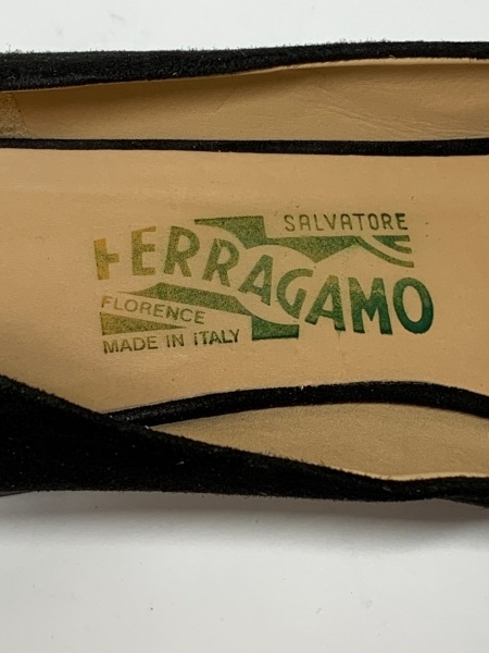 サルバトーレフェラガモ パンプス 7.5 レディース - 黒 リボン スエード×化学繊維