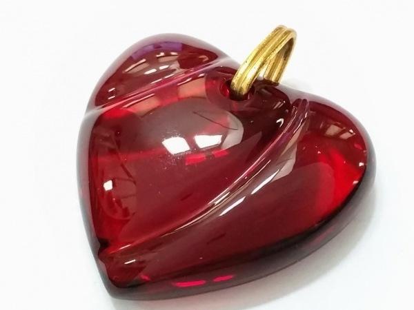 バカラ ペンダントトップ美品  クリスタルガラス×金属素材 レッド×ゴールド ハート