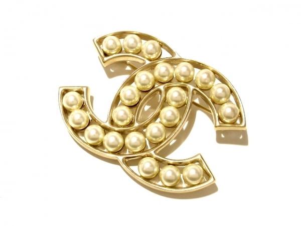 2c34a878dddc シャネル ブローチ美品 金属素材×フェイクパール ゴールド×アイボリー ココマーク