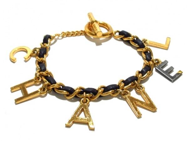 CHANEL(シャネル) ブレスレット 金属素材×レザー ゴールド×黒