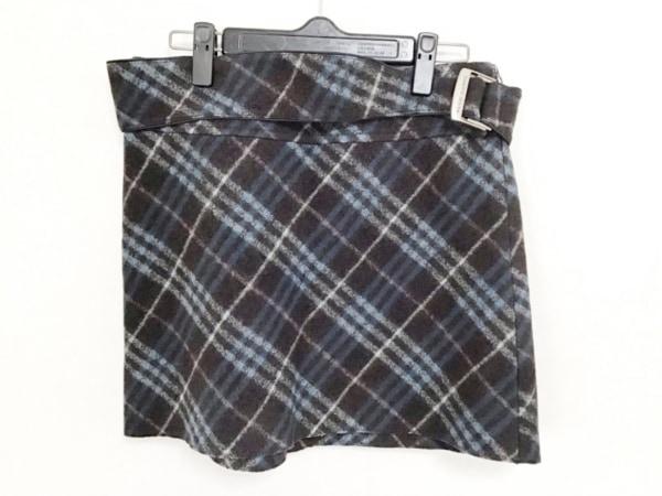 バーバリーブルーレーベル ミニスカート サイズ38 M レディース美品  黒×ブルー×白