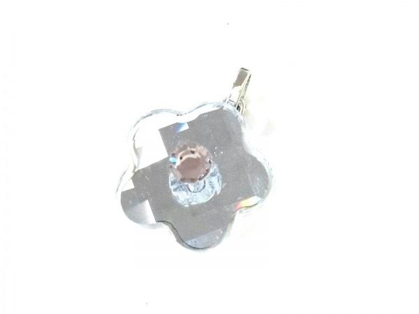 スワロフスキー ペンダントトップ美品  スワロフスキークリスタル×金属素材 フラワー