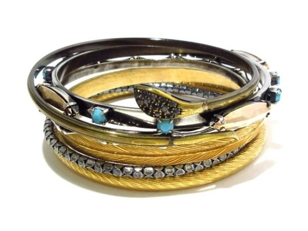 iosselliani(イオッセリアーニ) バングル美品  金属素材×ラインストーン 6連