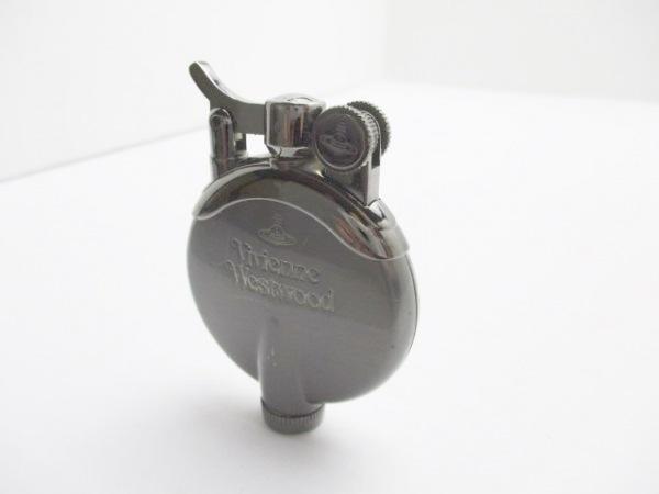 VivienneWestwood(ヴィヴィアンウエストウッド) ライター シルバー 金属素材