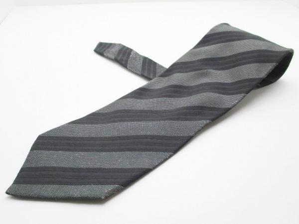 ジョルジオアルマーニ ネクタイ メンズ 黒×ダークグレー 斜めストライプ