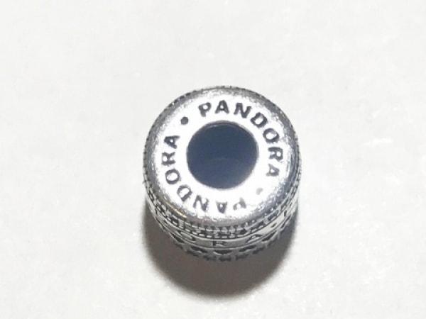 PANDORA(パンドラ) ペンダントトップ美品  シルバー×ラインストーン クリア ハート
