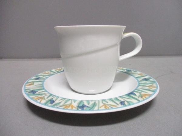 ローゼンタール カップ&ソーサー新品同様  白×ライトグリーン×マルチ チョウ 陶器