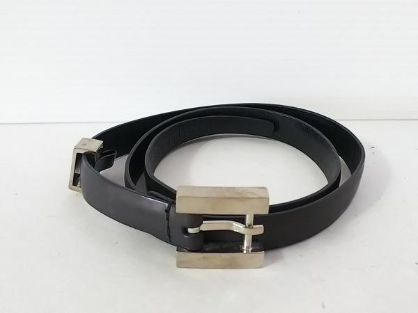 GUCCI(グッチ) ベルト 70・28 黒×シルバー レザー×金属素材