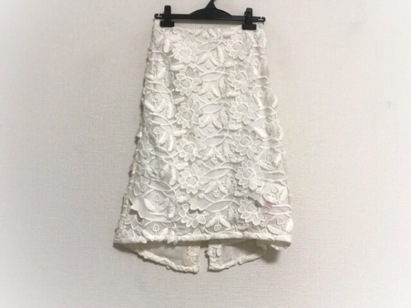 furfur(ファーファー) スカート サイズF レディース美品  アイボリー 花柄