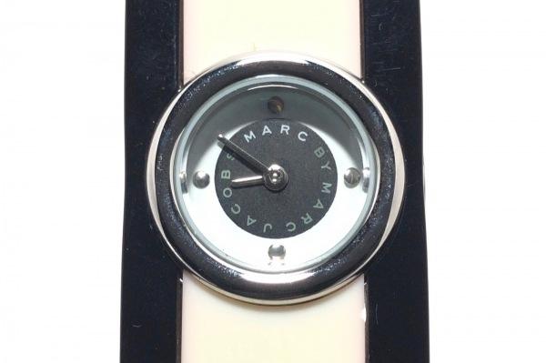 マークジェイコブス 腕時計 MBM4520 レディース プラスティックバングルベルト 黒×白