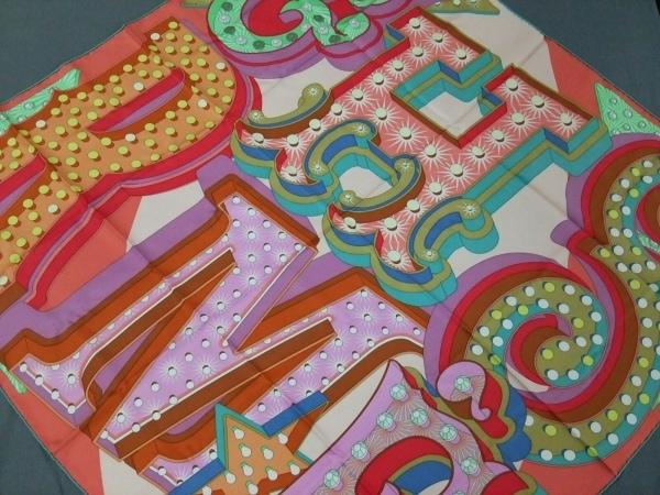 HERMES(エルメス) スカーフ美品  カレ レッド×グリーン×マルチ Hermes Electrique