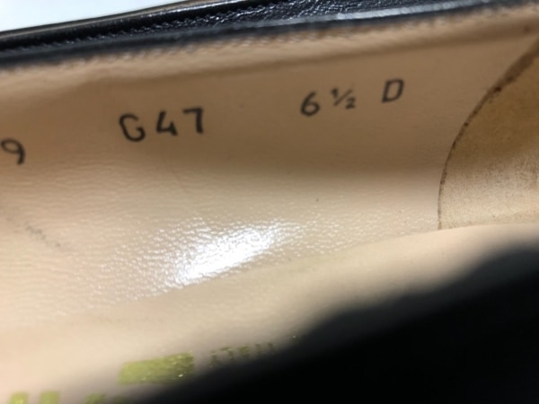 サルバトーレフェラガモ パンプス 6 1/2 レディース ガンチーニ 黒×ゴールド レザー
