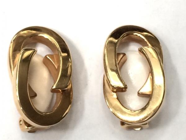 GUCCI(グッチ) イヤリング美品  - 金属素材 ゴールド