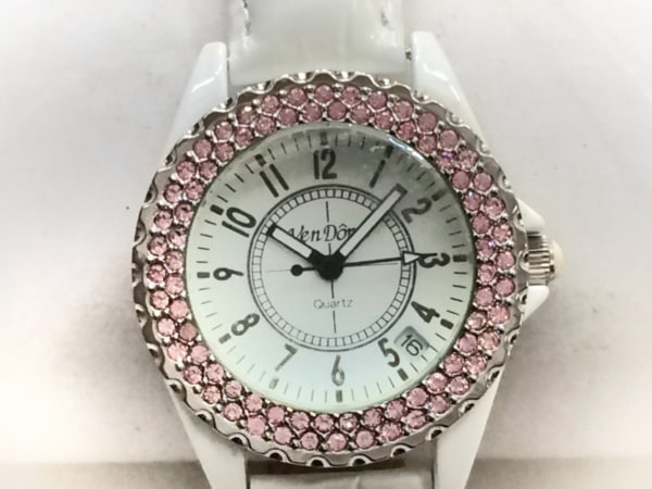 ven DOME(ヴァンドーム) 腕時計美品  レディース スワロフスキーベゼル 白