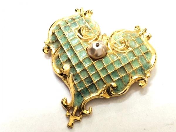 クリスチャンラクロワ ブローチ美品  金属素材 ゴールド×ライトグリーン×アイボリー