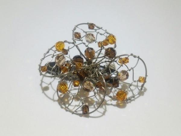 コレットマルーフ バレッタ 金属素材×プラスチック シルバー×ブラウン×オレンジ