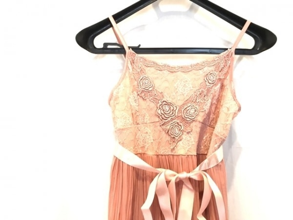 armoirecaprice(アーモワールカプリス) ワンピース レディース美品  ピンク 刺繍