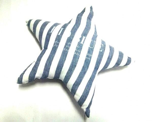 キッドブルー 小物美品  白×ブルー クッション/スター/ストライプ コットン