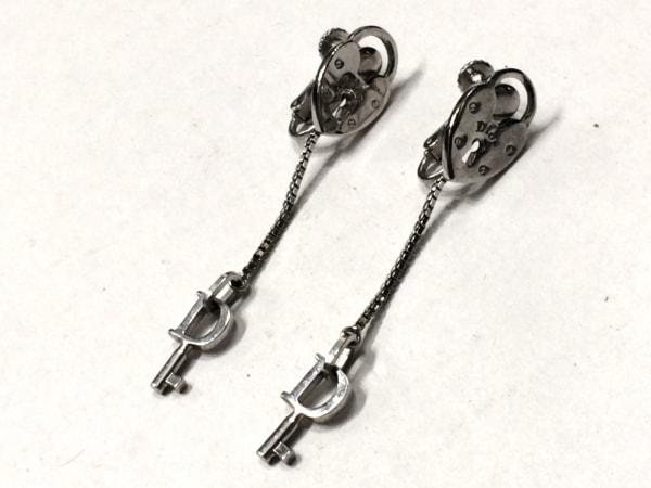 ChristianDior(クリスチャンディオール) イヤリング美品  金属素材 シルバー 鍵