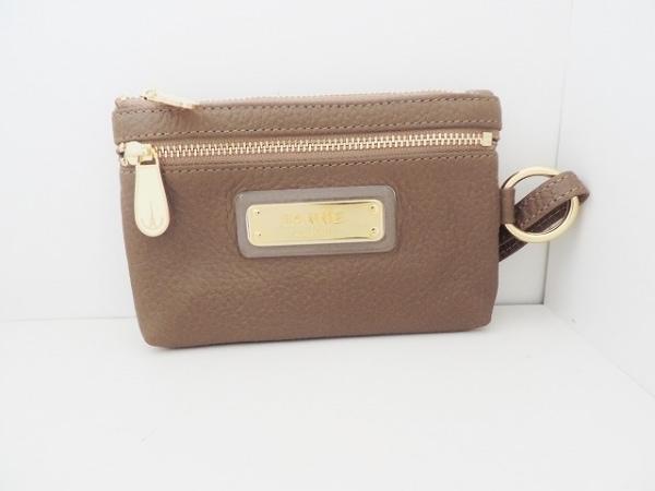 IANNE(イアンヌ) 財布美品  ブラウン キーポケット(5連フック) レザー