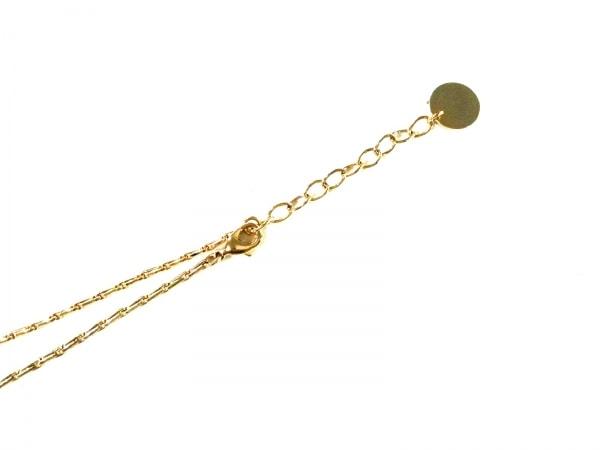 アントン・ヒュニス ネックレス美品  金属素材×フェイクパール ゴールド×白