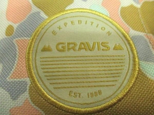 gravis(グラヴィス) リュックサック美品  ベージュ×マルチ 迷彩柄