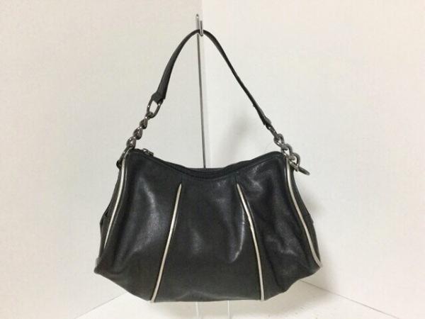 FRESCA(フレスカ) ショルダーバッグ美品  黒×シルバー レザー