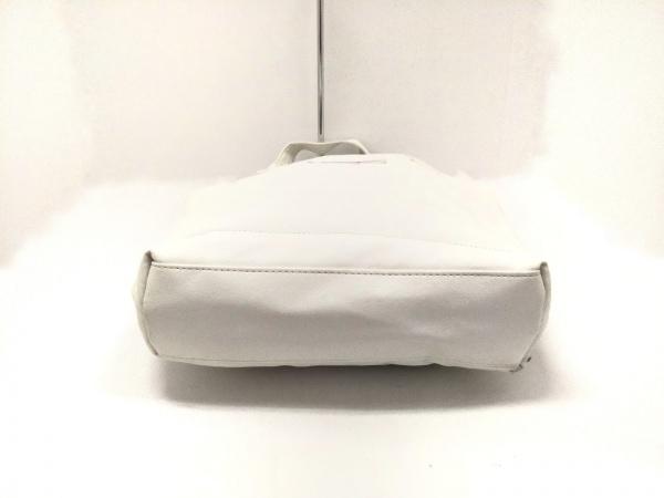 サルバトーレフェラガモ パフューム トートバッグ 白 合皮