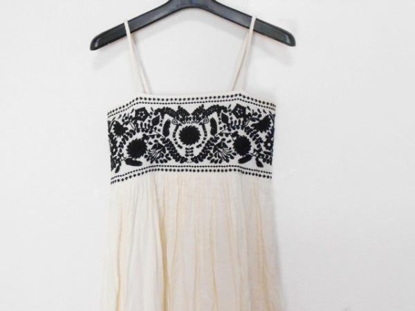 NAVASANA(ナバアサナ) ワンピース サイズ「F」 レディース 白×黒 刺繍/花柄