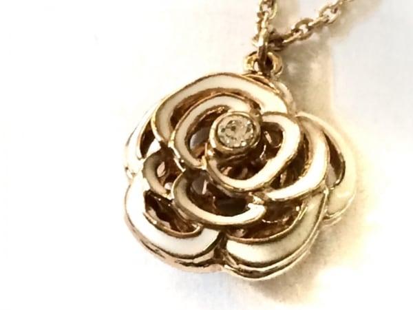 GROSSE(グロッセ) ネックレス美品  金属素材 ゴールド フラワー/ラインストーン