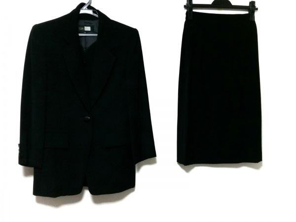 ソワールベニール スカートスーツ サイズ7AR S レディース美品  黒 3点セット