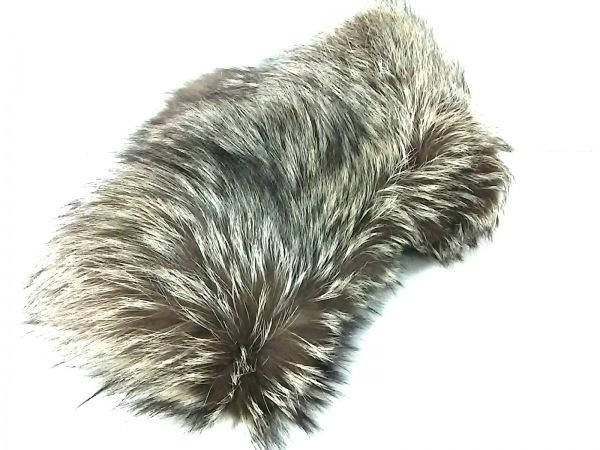 SAGA FOX(サガフォックス) マフラー新品同様  ライトグレー フォックス