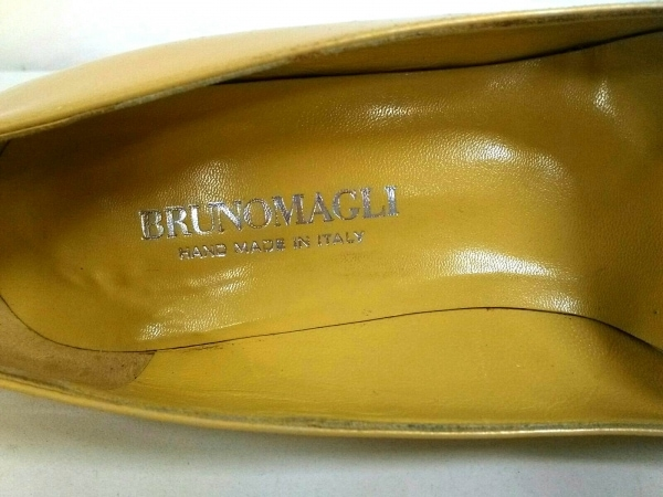 BRUNOMAGLI(ブルーノマリ) パンプス 361/2 レディース イエロー エナメル(レザー)