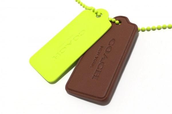 COACH(コーチ) ネックレス美品  金属素材 ライトグリーン×ダークブラウン
