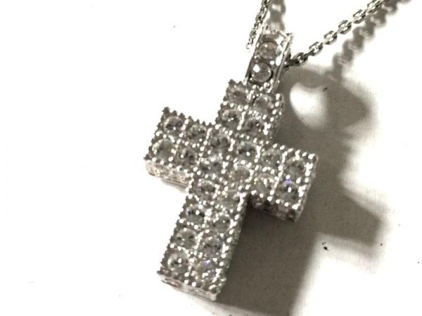 スワロフスキー ネックレス美品  金属素材×スワロフスキークリスタル クロス