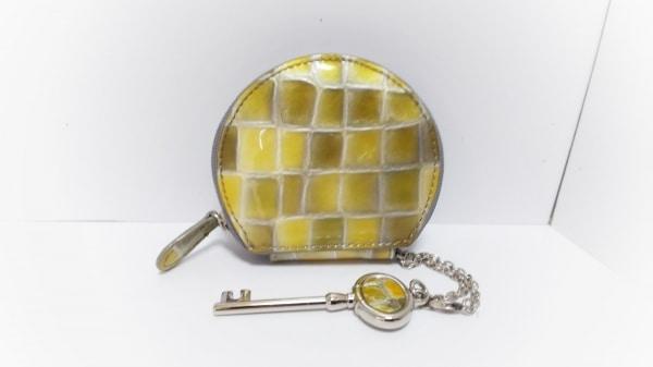 COCCO FIORE(コッコフィオーレ) コインケース美品  ゴールド×シルバー 鍵/型押し加工