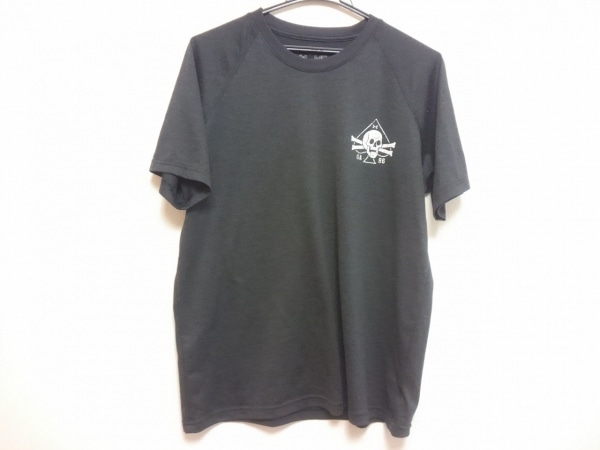 UNDER ARMOUR(アンダーアーマー) 半袖Tシャツ メンズ美品  ダークグレー×白