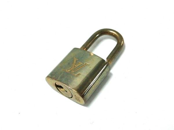 LOUIS VUITTON(ルイヴィトン) 小物 パドロック R10000 ゴールド 318 真鍮