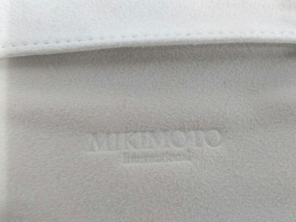 mikimoto(ミキモト) 小物入れ美品  ベージュ×ゴールド ジュエリーケース サテン