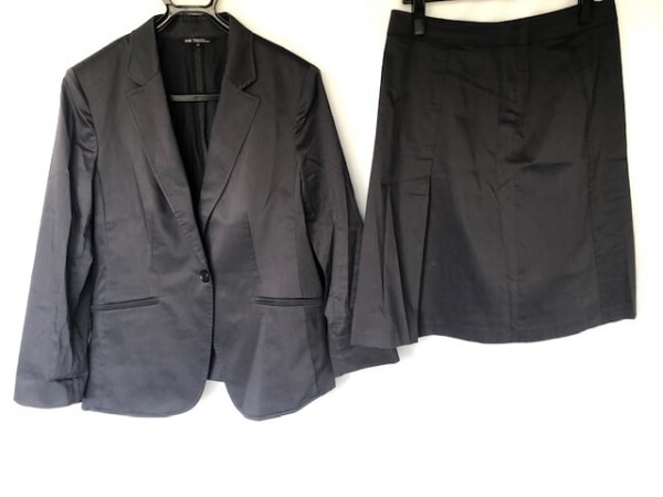 23区(ニジュウサンク) スカートスーツ サイズ44 L レディース美品  ダークグレー
