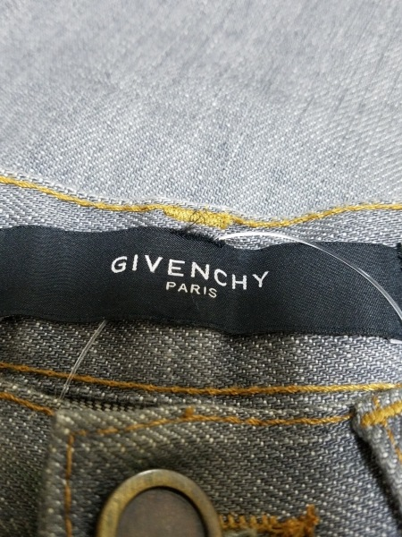 GIVENCHY(ジバンシー) ジーンズ サイズ28 メンズ グレー
