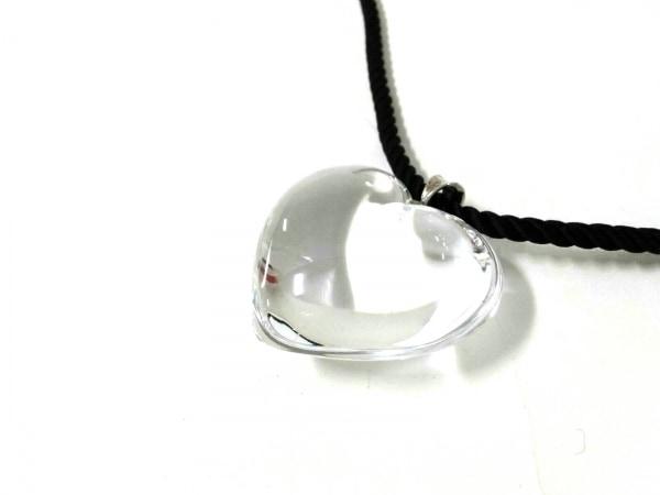 Baccarat(バカラ) ネックレス美品  クリスタルガラス×化学繊維 クリア×黒 ハート
