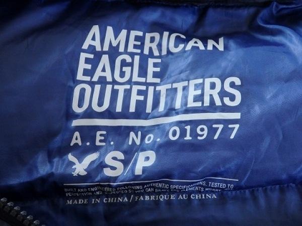 アメリカンイーグル ダウンジャケット サイズS メンズ美品  ネイビー OUTFITTERS/冬物