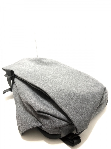 Cote&Ciel(コートエシエル) リュックサック グレー×黒 化学繊維