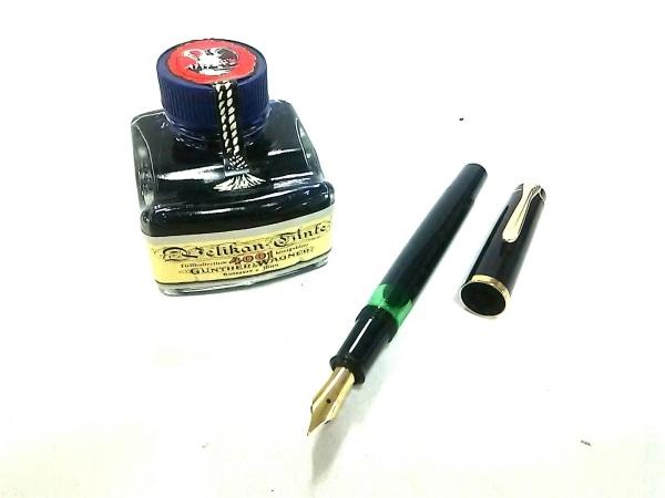 Pelikan(ペリカン) 万年筆美品  黒×ゴールド インクなし プラスチック×金属素材